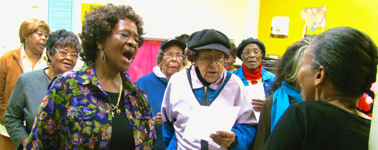 500-Bailey's-Cafe-Intergenerational-Singing-Spring-2014